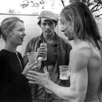 Daily Celebrity Shot / Kate Moss, Johnny Depp & Iggy Pop Drinking and Smoking