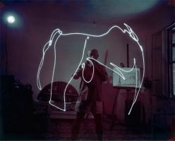 Light-Drawings-Pablo-Picasso
